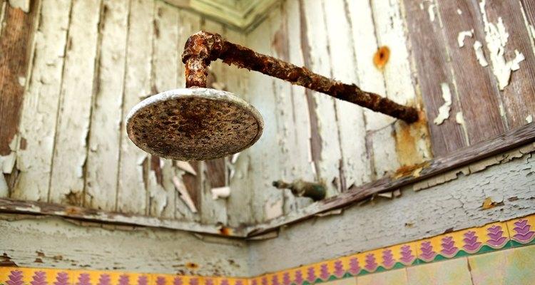 Para fines de comparación, un grifo de la ducha utiliza líneas de agua de tubos de cobre de 1/2 pulgada (1,27 cm).