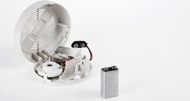 Los detectores de humo cableados no se basan sólo en una batería.