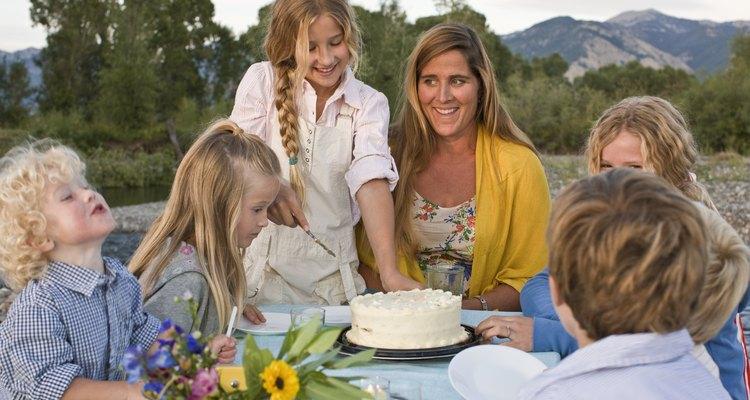 Celebre o aniversário com família e amigos
