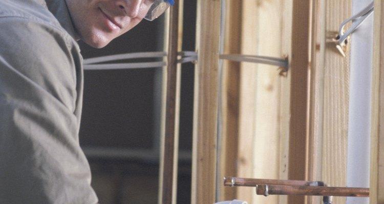 Los acoplamientos ayudan a unir dos tramos de tubería de PVC.