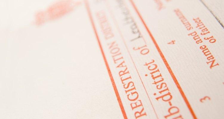 Los certificados de nacimiento de los países extranjeros deben de ser traducidos al inglés.
