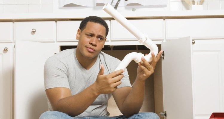 El cálculo de las unidades de aparatos y la instalación de fontanería puede ser difícil para los inexpertos.