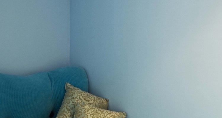 El azul es un color tradicional para una habitación de chico adolescente.