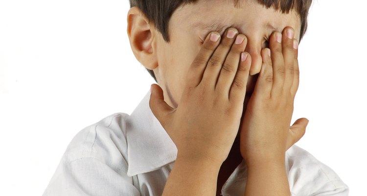 O óleo de rícino pode ajudar a acabar com o desconforto dos olhos secos