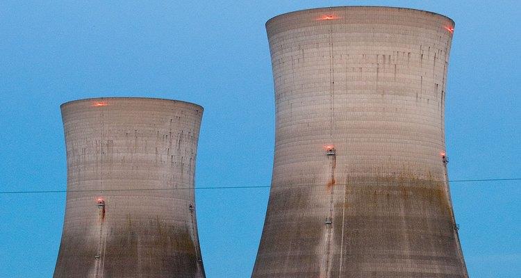 Escribir una petición contra los peligros de los reactores nucleares puede ayudar a detener el problema de toda la vida oceánica.