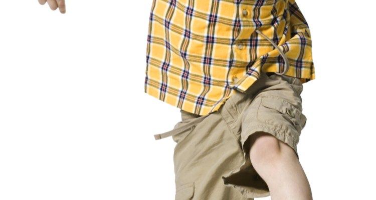 Juegos y actividades simples pueden ayudar a desarrollar el control de los músculos de tu hijo.