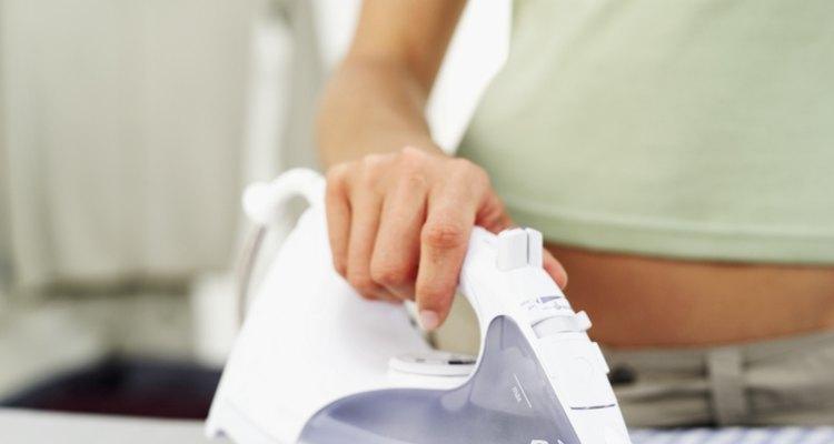 Qualquer um que passe tempo em uma tábua de passar roupa pode sofrer queimaduras de vapor