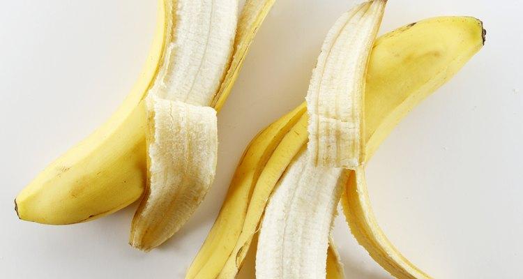 Você pode fazer um pudim de banana no forno micro-ondas