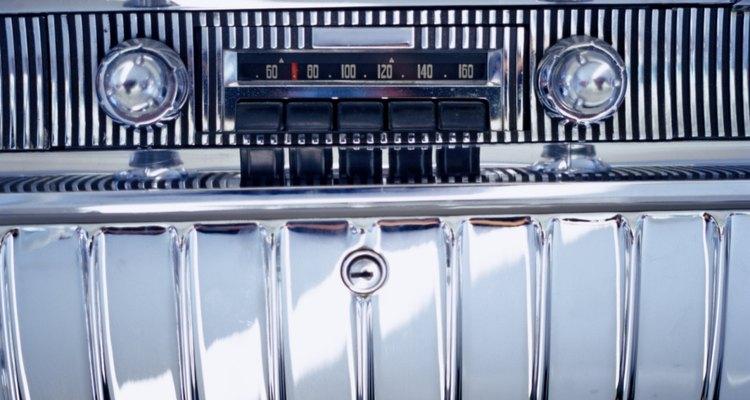 A entrada AUX ajuda os aparelhos de som Pioneer a atualizarem vários modelos de fábrica