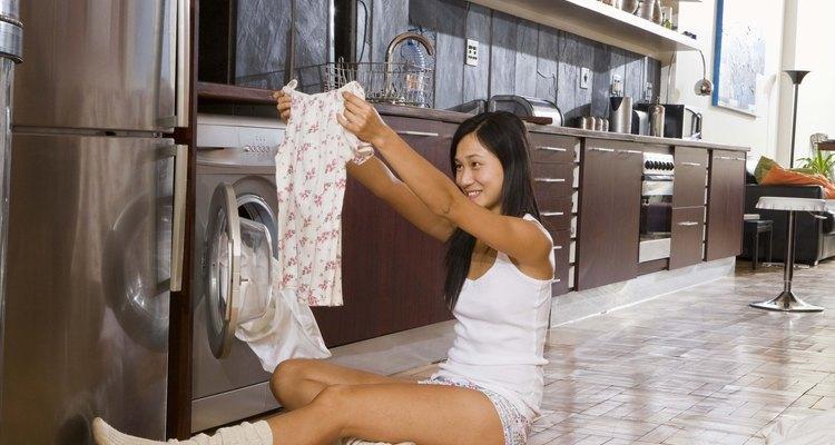 Conserva el olor a limpio de la ropa durante más tiempo.