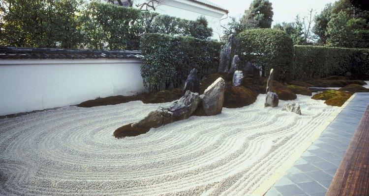 Jardins rochosos são uma boa opção para encostas