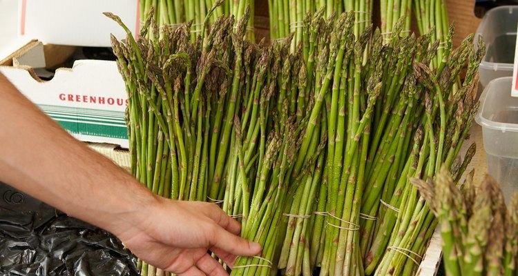 Evite aspargos se estiver fazendo uma dieta sem níquel