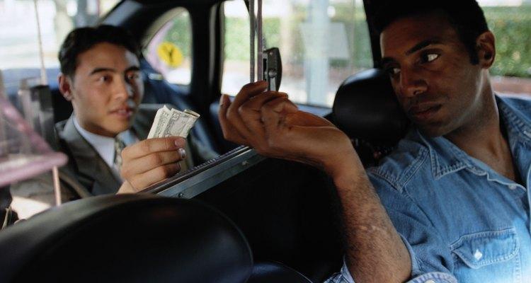 No se necesita un título universitario para trabajar como taxista.