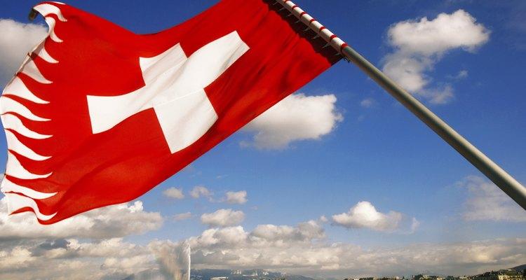 Genebra, a capital da Suíça por detrás da bandeira nacional