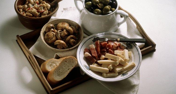 Las tapas y el jerez hacen una comida española tradicional.