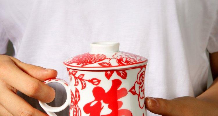 O chá pode ajudar na manutenção da saúde e garante boa hidratação