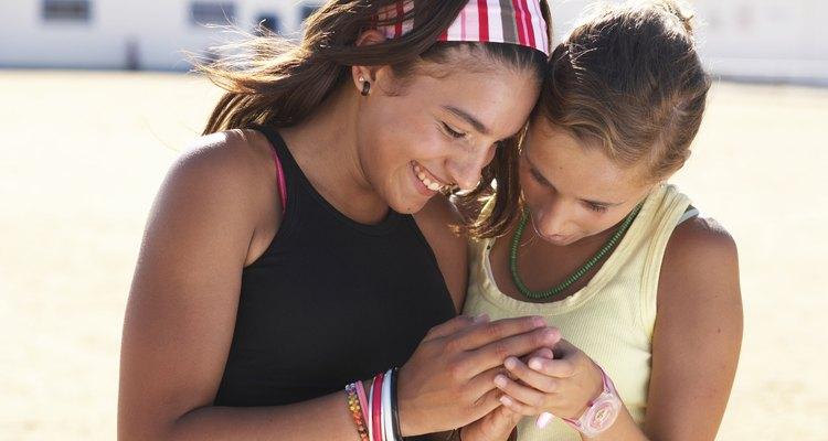 As pulseiras da amizade são feitas artesanalmente
