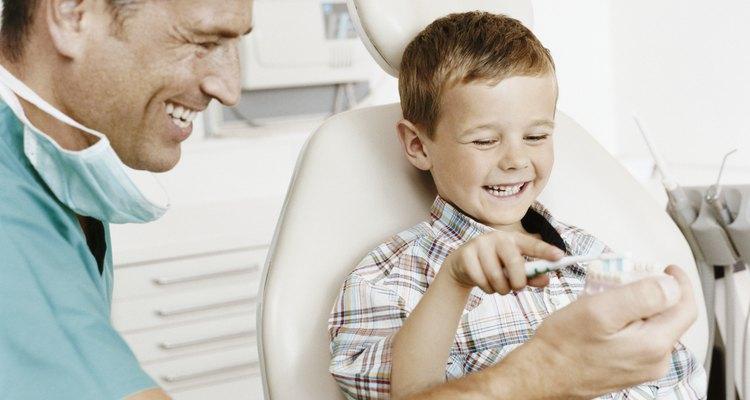 Un buen dentista necesita una variedad de habilidades distintas para permitirle hacer su trabajo exitosamente.