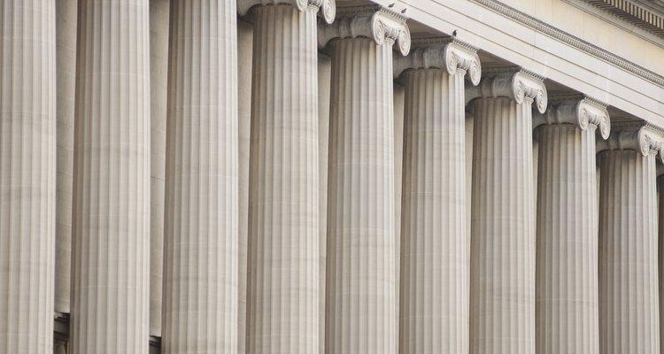 Colunas dóricas em uma construção em Washington, DC