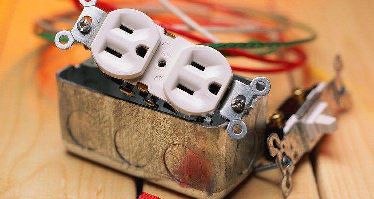 Porcas para fios e interruptor