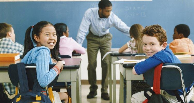 Los profesores se encuentran entre los modelos más importantes para los niños en su comunidad.