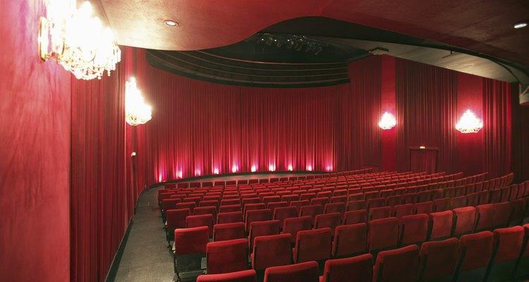 Desde que ha existido el teatro, los actores han usado maquillaje de escenario.