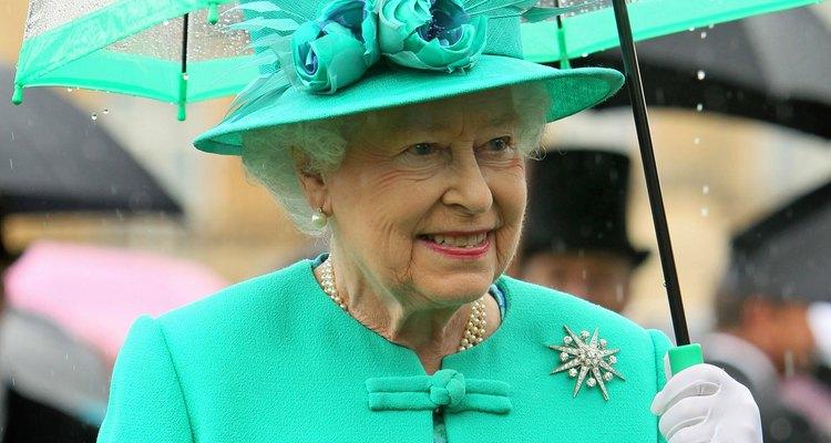 A rainha Elizabeth II é monarca de 16 países diferentes