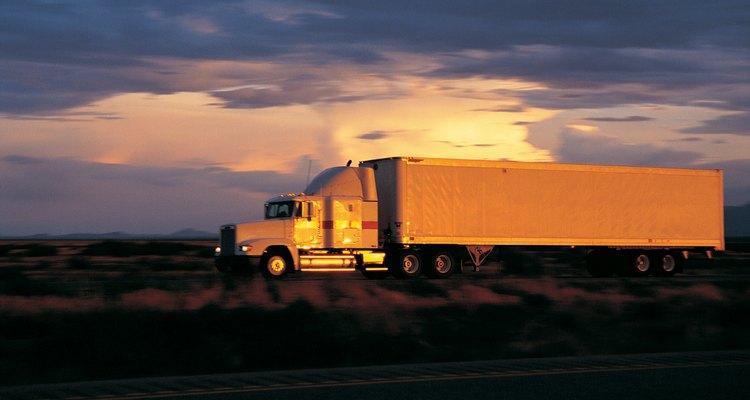Os caminhões de carga precisam parar nos postos de pesagem