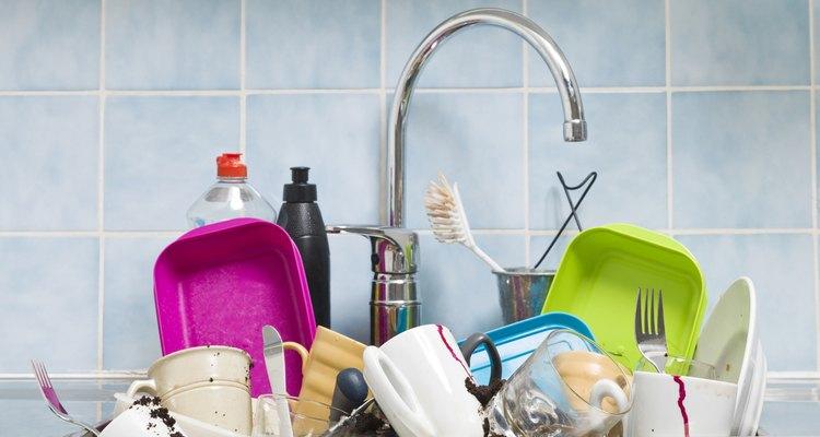 Lave pratos e panelas com café