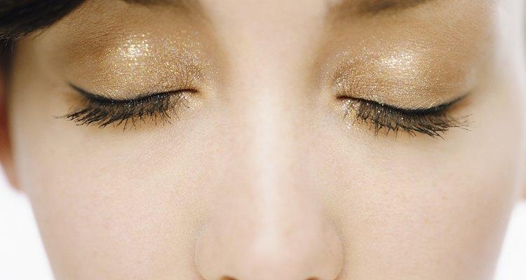 Use as cores certas de sombra para realçar os olhos
