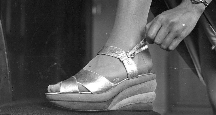 Este es un ejemplo de las sandalias con plataformas que se usaban en 1938.