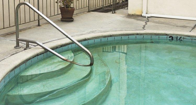 Se a bomba não funcionar, a piscina ficará suja