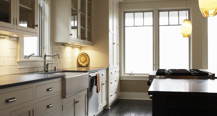 Deixe sua cozinha limpa e livre de manchas de óleo