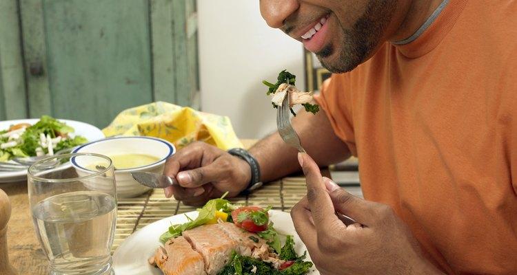 As mudanças na dieta são o principal meio de tratamento do refluxo