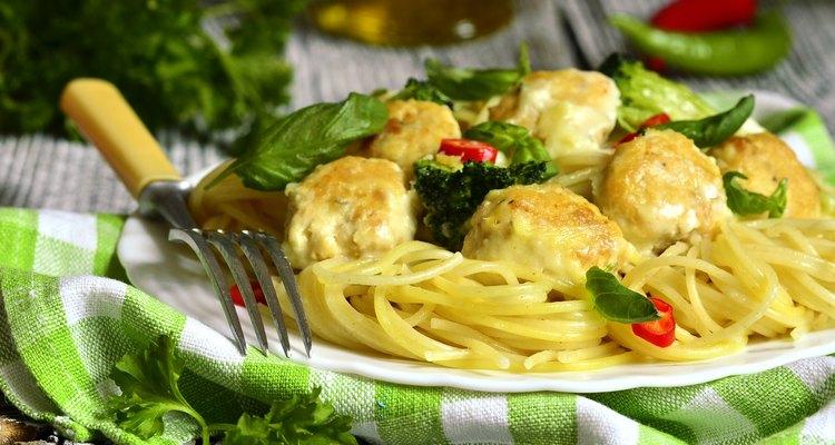 Spaghetti with chicken meatballs and broccoli.