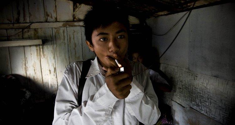 As preocupações associadas ao cigarro não se aplicam aos cigarros eletrônicos, mas seus efeitos a longo prazo não são conhecidos.