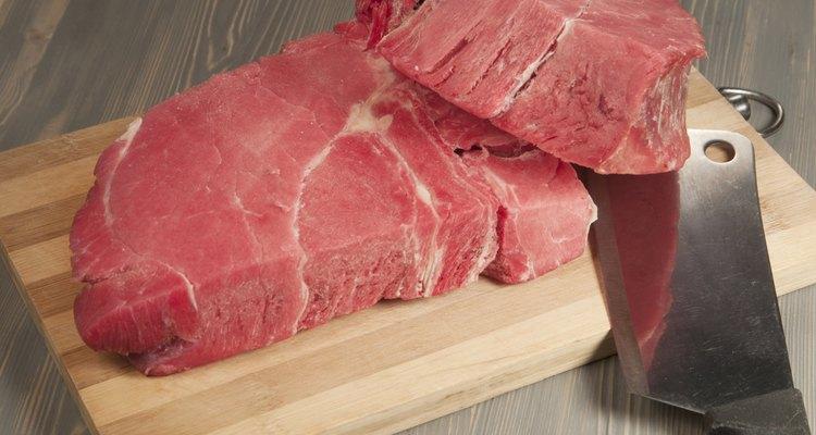 As carnes devem ser cortadas em sentido contrário ao das fibras