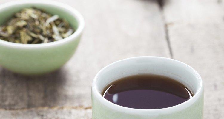 Amenize queimaduras solares com chá preto