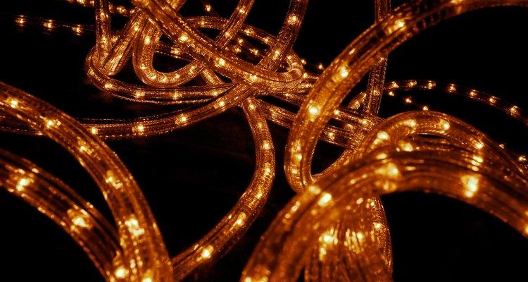 As mangueiras luminosas normalmente servem como realces e iluminações decorativas nas residências