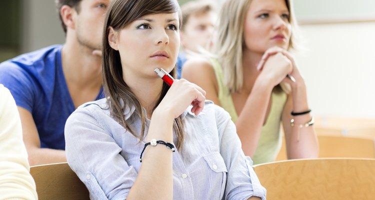 Un posgrado puede asegurarte un mejor empleo y un salario más alto.