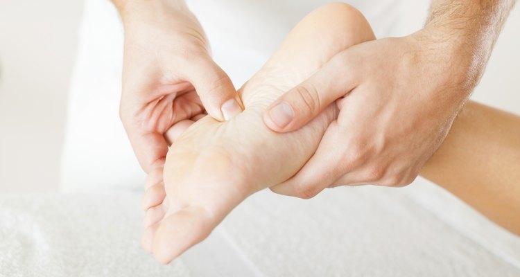 O tornozelo é a ligação entre a porção inferior da perna e o pé