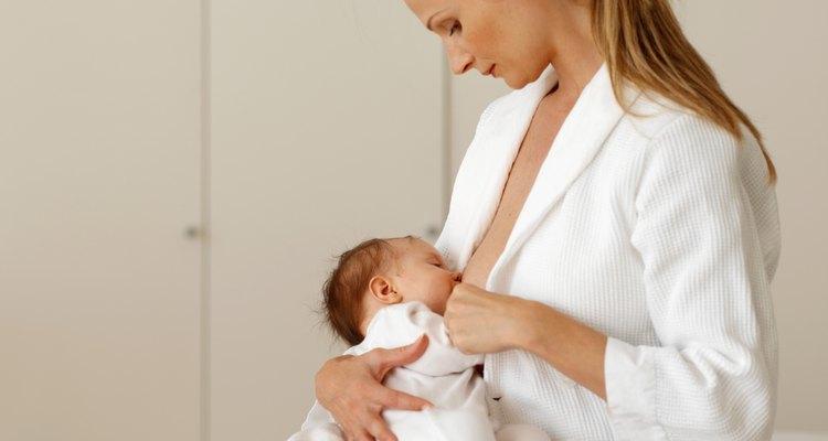 El cuerpo quema hasta 500 calorías por día con la producción de leche materna.