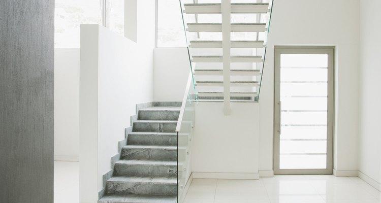 Las escaleras son un elemento decorativo para tu hogar.