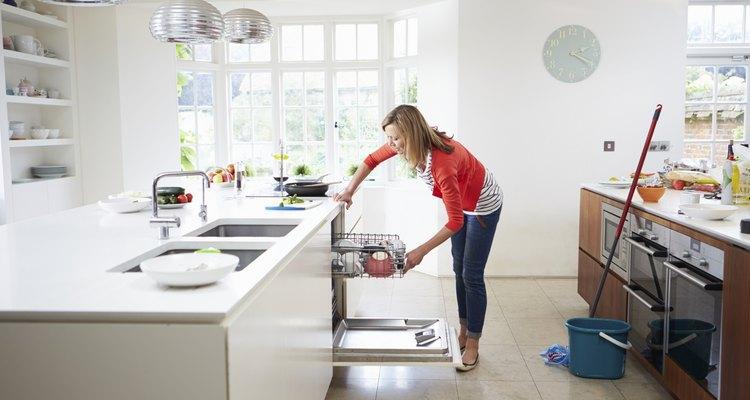 Si tu lavavajillas despide espuma significa que algo anda mal.
