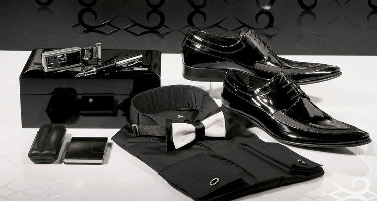 Haz que tus zapatos de charol queden impecables.