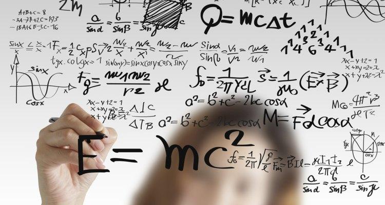 Fatoriais são úteis para calcular probabilidades estatísticas para determinado resultado