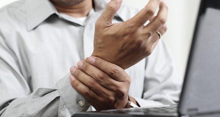 Las muñequeras pueden ayudar a reducir el dolor en el antebrazo.