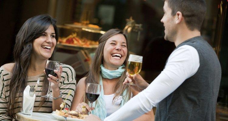 Los especiales de bebidas para la industria del servicio reúnen a la gente.