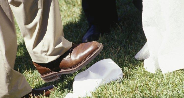 Realza el marrón de tus zapatos con un pantalón.