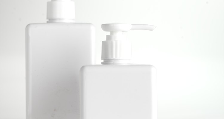 El jabón de Castilla líquido es liviano y de consistencia aguada pero puedes hacerlo más viscoso si lo deseas.